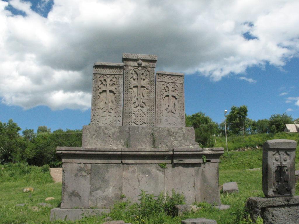 Կողեսի պատմության և մշակույթի անշարժ հուշարձաններ